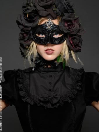 gloomth goth mask