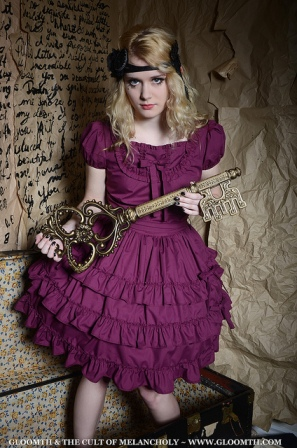 gloomth poppy lolita