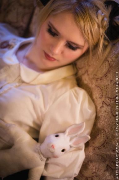 gloomth classic lolita sleeping