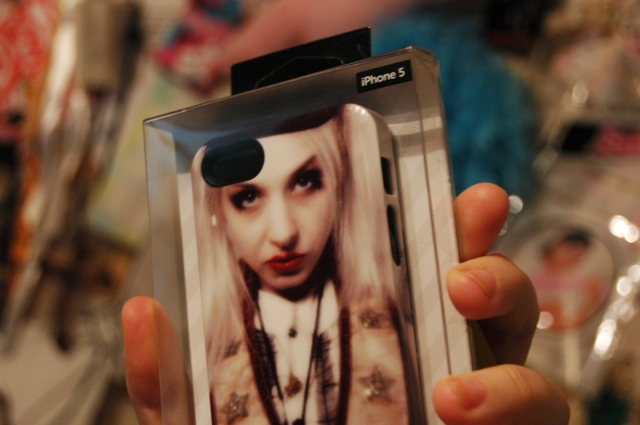 gloomth iphone case