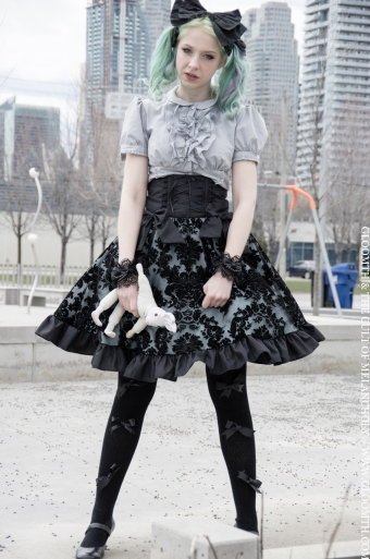gothic lolita by gloomth