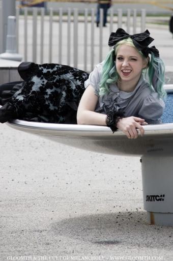 playful gothic lolita gloomth