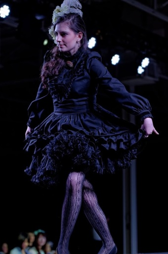 gloomth gothic lolita fashion show
