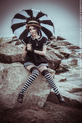 victorian beach outfit gloomth saint alkaline model