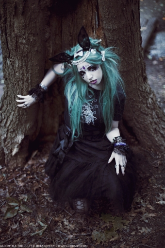 gothic doll girl fashion gloomth sandra von ruin