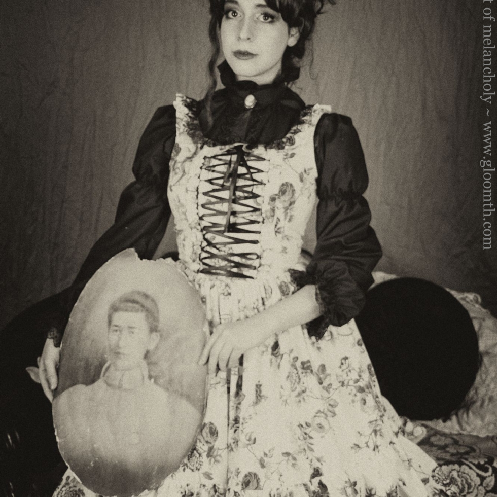victorian outfit gloomth portrait