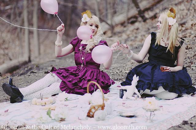 lolita picnic gloomth
