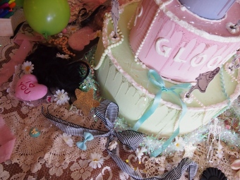 gloomth teaparty cake installation