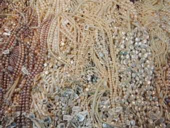 pearls and pale pink pearls rock and gemboree rock and mineral show 2015