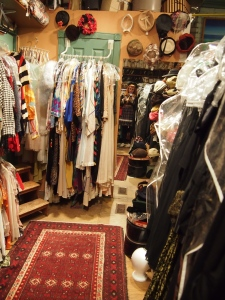 vintage shopping toronto