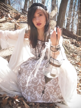 pale forest witch outfit gloomth jasmin skull
