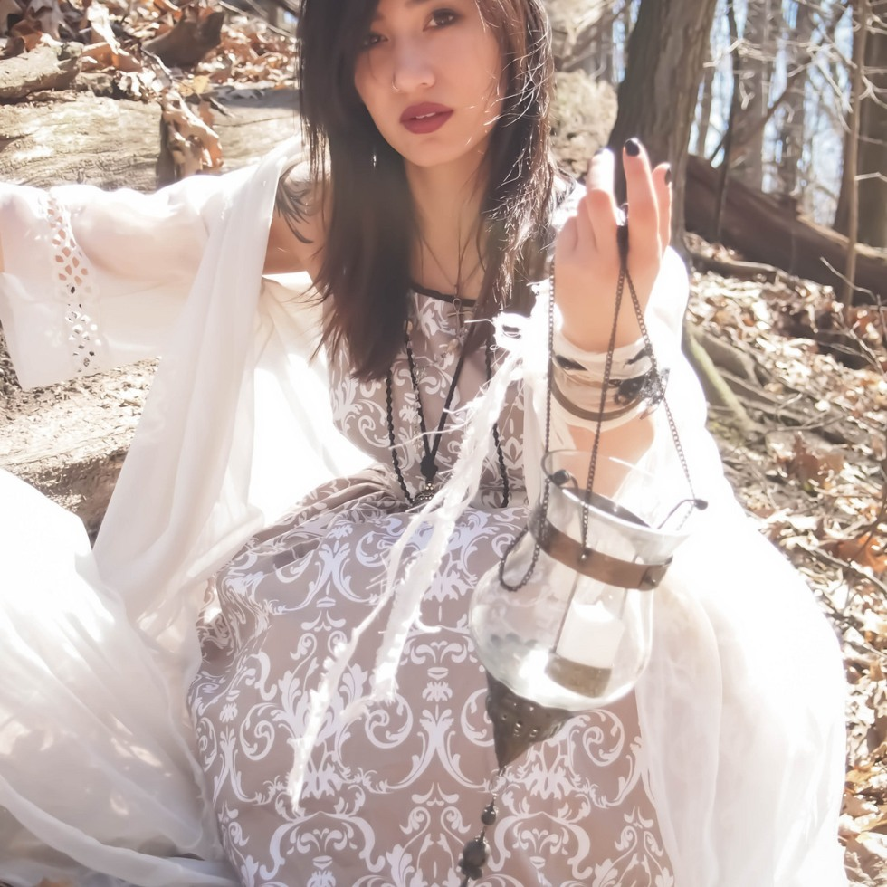 pale forest witch outfit gloomth jasmin kills