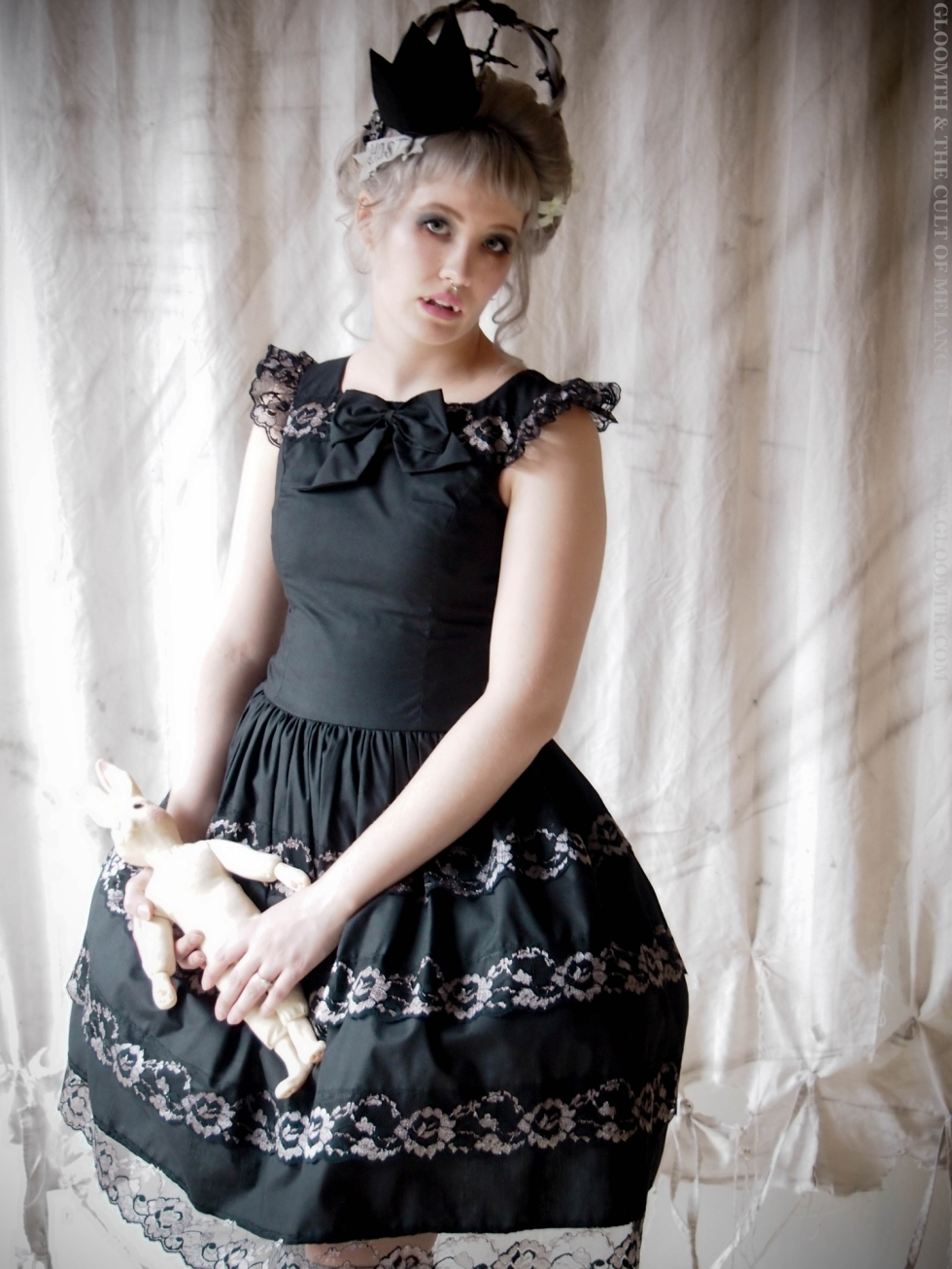 seance gothic prom dress gloomth bridesmaid
