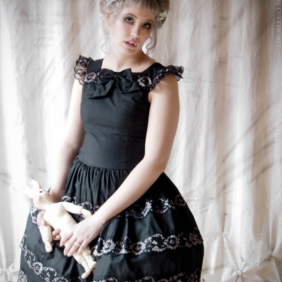seance gothic prom dress gloomth bridesmaid