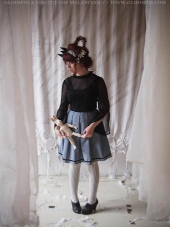 pleated doll skirt with velvet trim