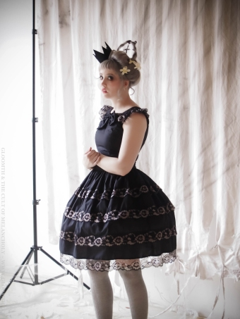 seance gothic lolita dress by gloomth