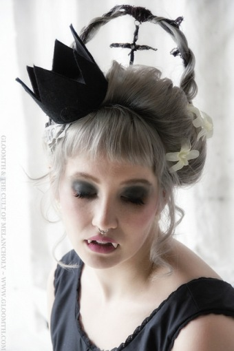 vampire fangs editorial photoshoot