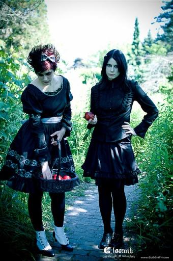 dark-gothic-garden-photo