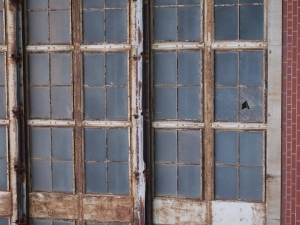 broken windows hearn station toronto