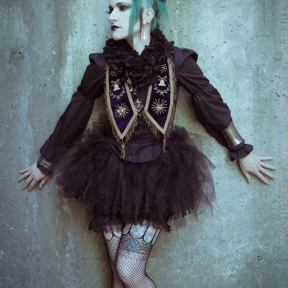gothic style outfit gloomth