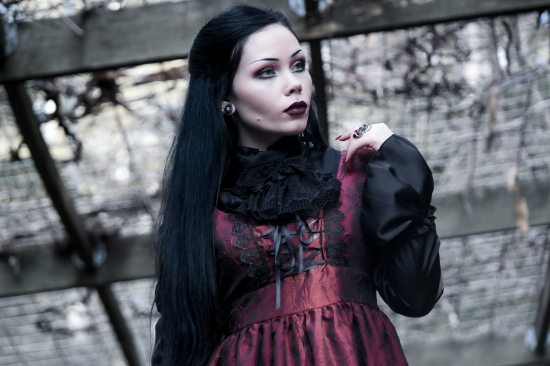 reeree phillips gothic fashion gloomth