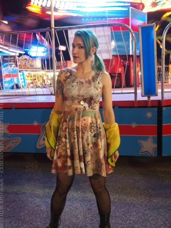 gloomth midway photo retro toy print dress
