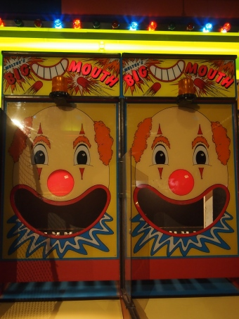 arcade game big mouth clown