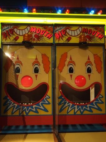 arcade game big mouth clown