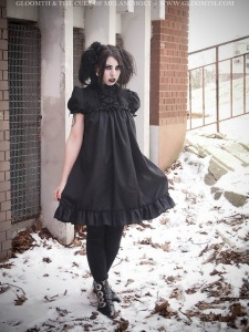 gothic photoshoot in snow gloomth