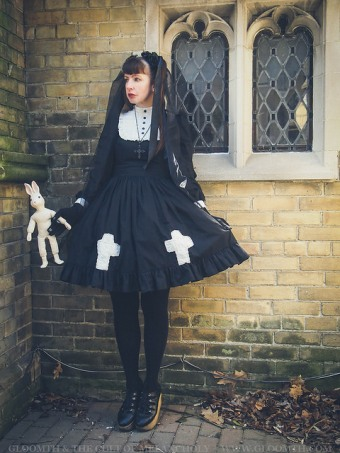 gothic lolita church photoshoot gloomth
