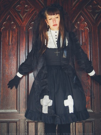 gothic lolita nun church doors outfit