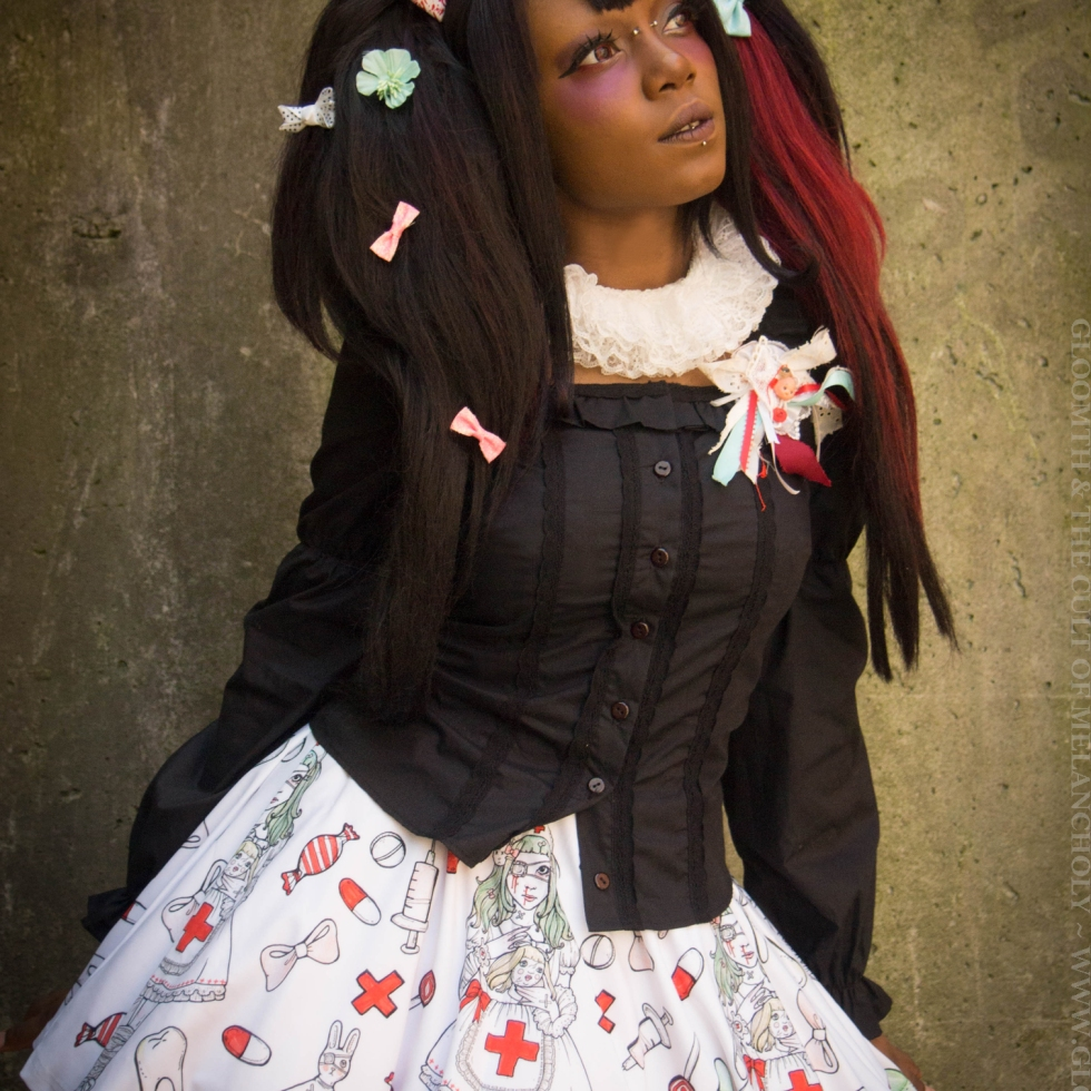 dolly momoiro gloomth model