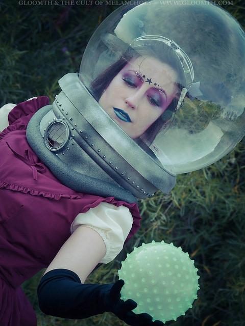 retro space scifi photoshoot editorial space-helmet