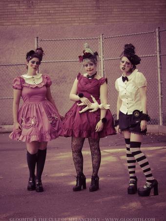 clown fashion makeup photoshoot gloomth