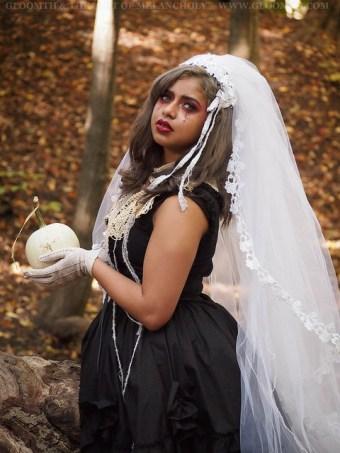 october bride gothic ghost story gloomth ashavari