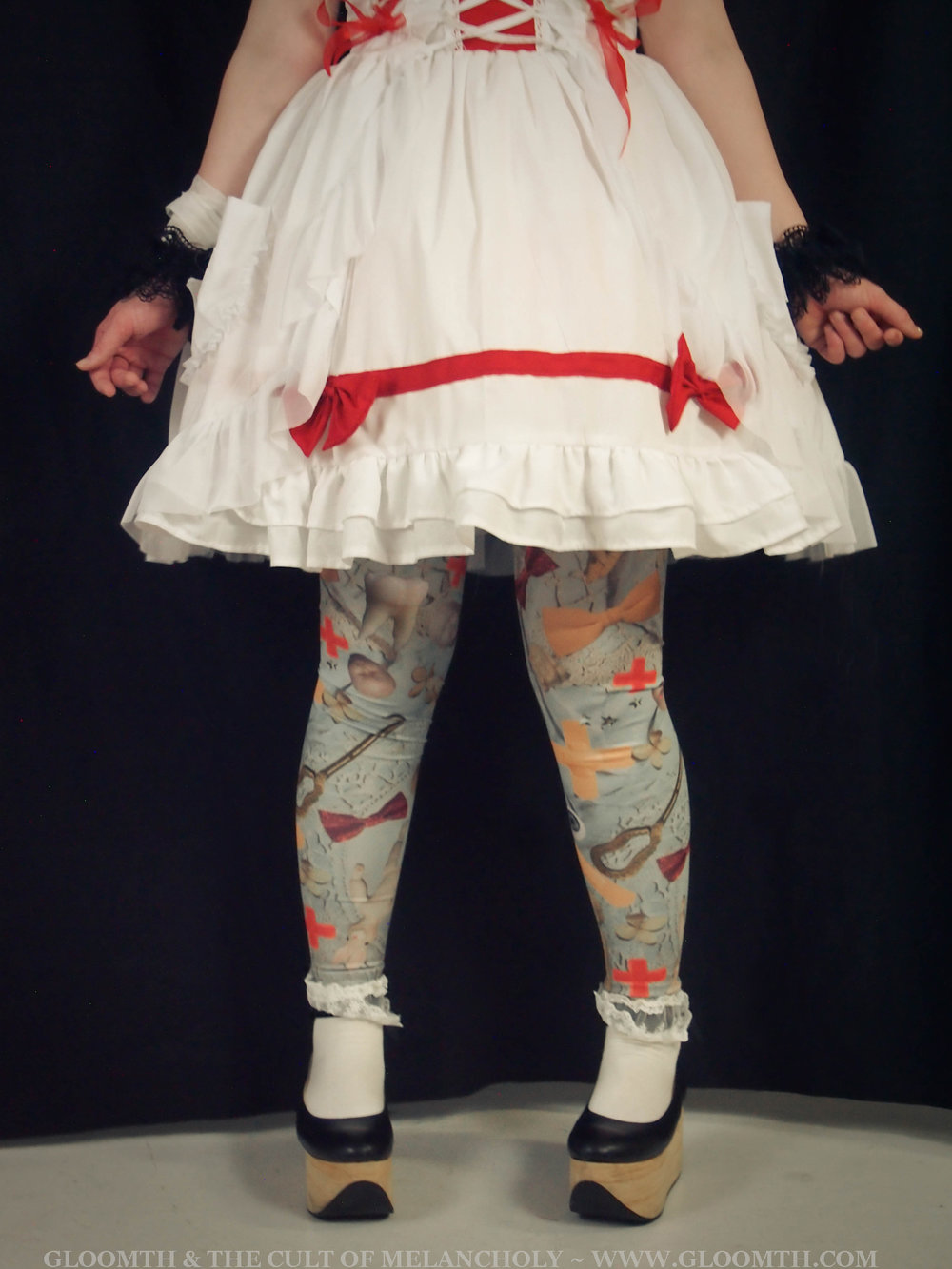 doll-hospital-theme-leggings.jpg
