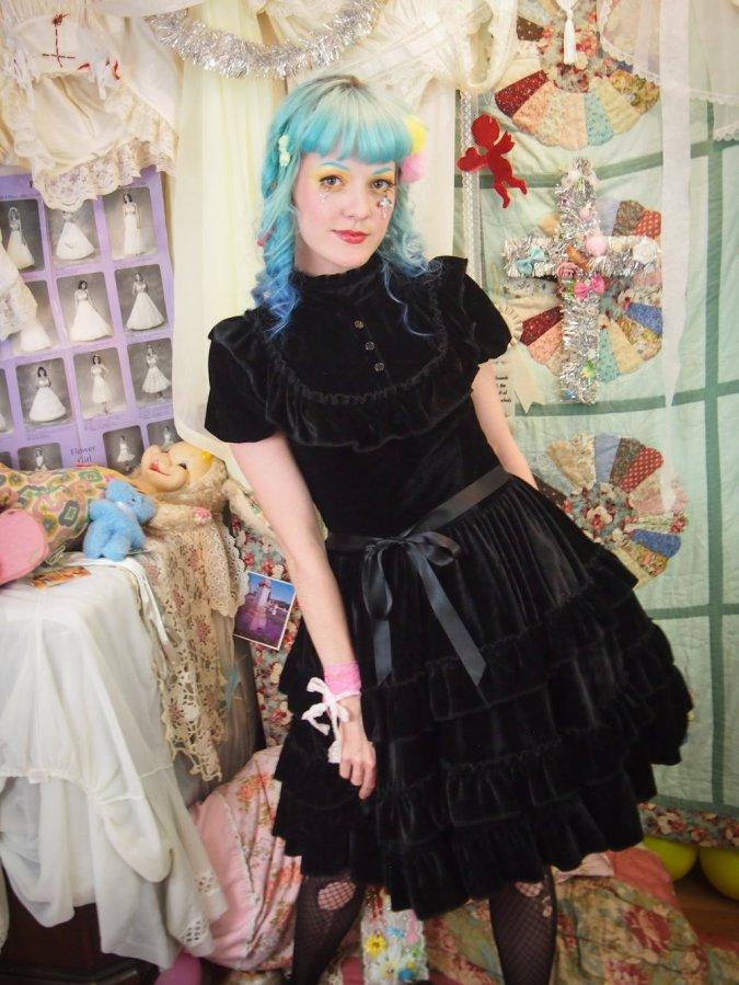 black velvet gothic lolita teaparty dress gloomth canada