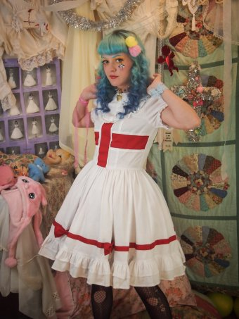 gloomth nurse lolita outfit with matching apron plus size canada