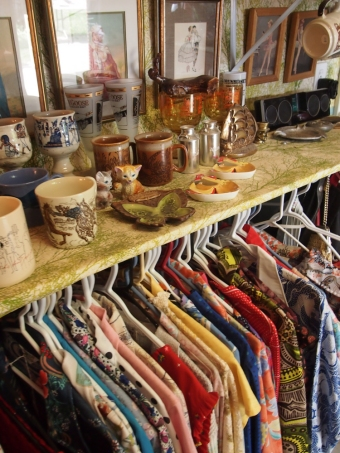 vintage accessories and clothing aberfoyle antique market