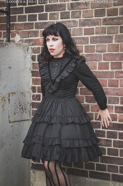 victorian mourning dress gloomth