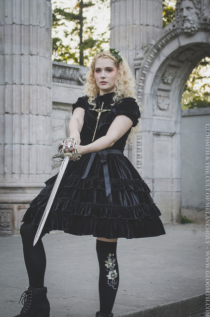 joan of arc outfit gloomth photoshoot halloween