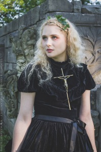 joan of arc photoshoot outfit costume gloomth