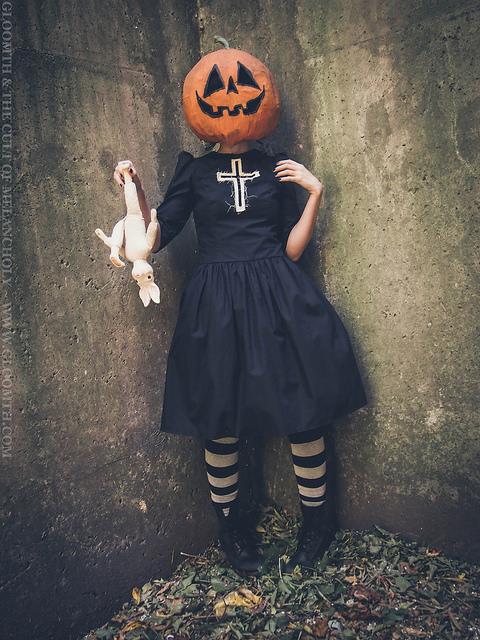 pumpkinhead mask jack o lantern girl gloomth