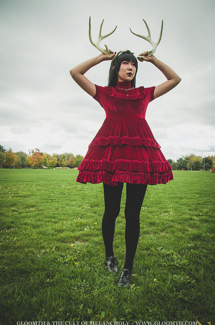 gloomth red velvet gothic lolita dress