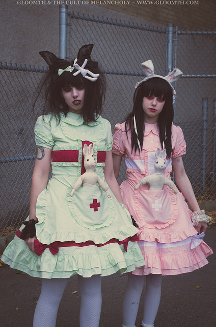 pastel lolita nurses in a creepy hospital gloomth