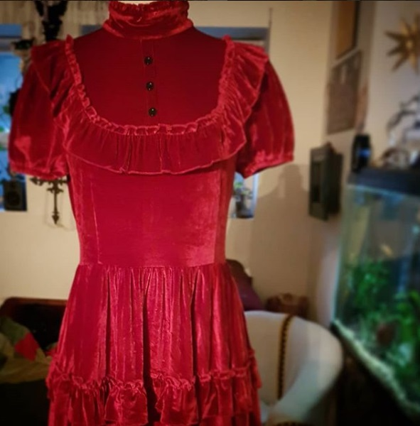 red velvet dress preview gloomth