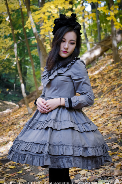 victorian mourning dress in grey and black by gloomth