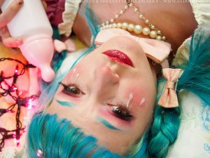 hot glue tears tutorial gloomth lolita alt fashion