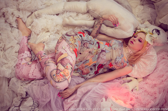 menhera doll hospital dress modeled in a fluffy heap by gloomth