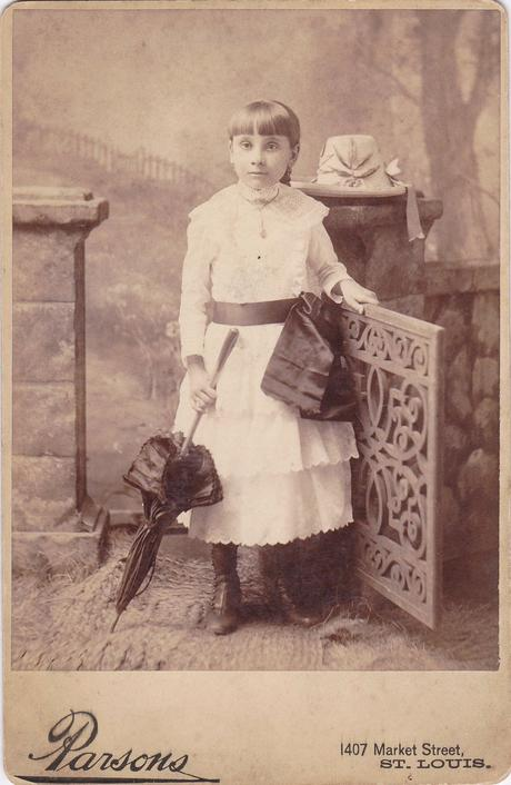 victorian child in mourning